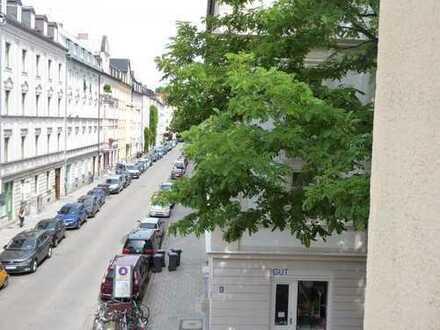 Helle, ruhige, 2 1/2 Zimmer-Wohnung im Zentrum von Haidhausen mit TG