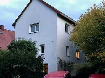 Schönes, großzügiges Haus mit fünf Zimmern in Heppenheim (Bergstraße)