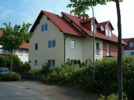 Sehr hochwertige Doppelhaushälfte in Karlstein - direkt vom Eigentümer zu mieten!