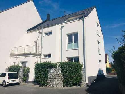 Erstbezug nach Sanierung mit Terasse: attraktive 4-Zimmer-EG-Wohnung in Dortmund