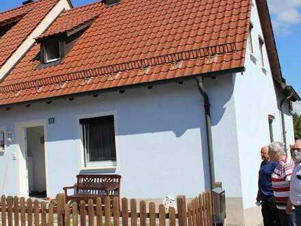 Doppelhaushälfte mit Einbauküche (optional) in Bodenwöhr