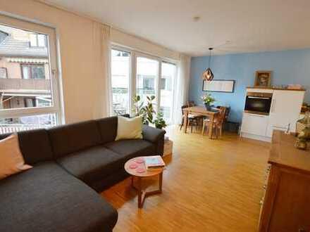Charmante 2-Zimmer-Wohnung mit großem Balkon in Benrath!