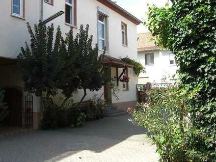 Moderne sehr helle 2-Zimmer-Wohnung in Dienheim