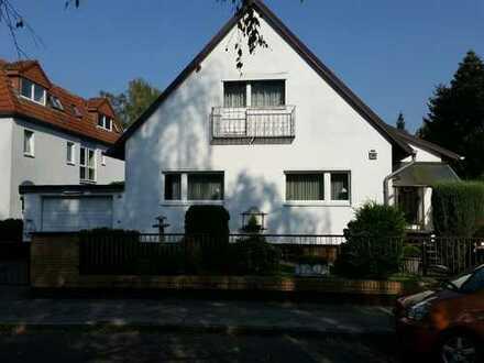 Schönes, geräumiges Haus mit fünf Zimmern in Berlin, Lichtenrade (Tempelhof)
