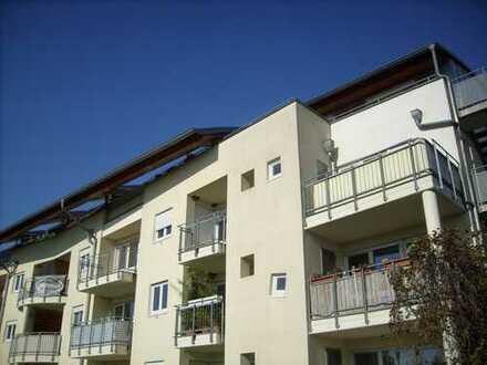Wohnen in Fahrland/ 3 Zimmer im Dachgeschoss mit 2 großen Balkonen - TIEFGARAGE