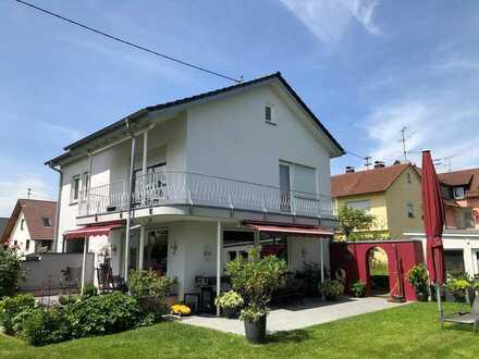 Gepflegtes Einfamilienhaus in Topzustand mit Flair und sonnigen Traumgarten in RV/Süd-Oberhofen