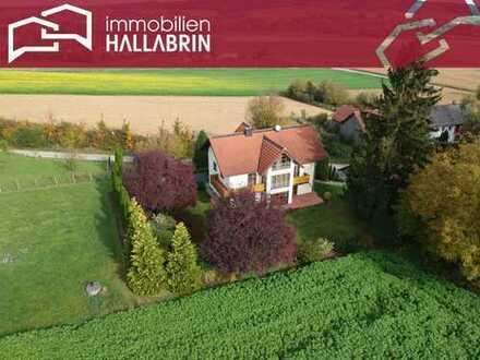 Landhaus mit 3 Wohneinheiten und großem Grundstück (ca. 4.118 m²) in schöner, sonniger Randlage