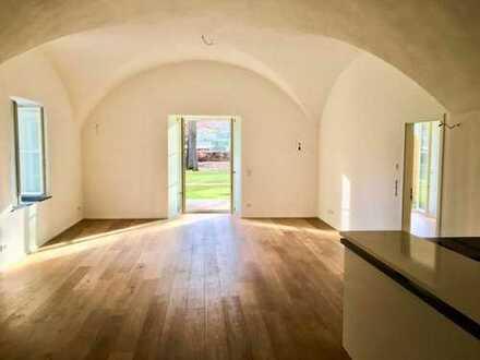 Wunderschöne 2 Zimmer-Wohnung mit Loftcharakter im Schloss Mering