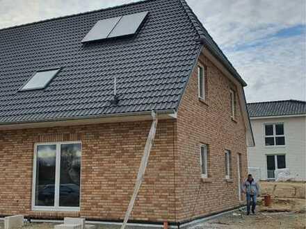 Schöne Doppelhaushälfte in Ostseenähe zu vermieten