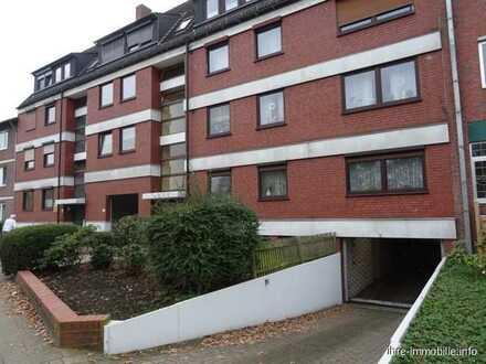 HB - Blumenthal: Großzügige 3-Zimmer-WHG im DG, mit Balkon, Gäste-WC und Tiefgaragenstellplatz.