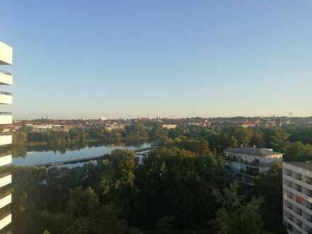 Schöne möblierte 1-Raum-Wohnung mit Balkon und Blick auf den Wöhrder See