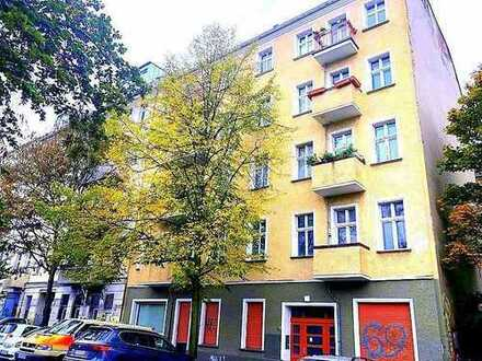 FURNISHED FLAT/MÖBLIERTE WOHNUNG = Schöne Altbauwohnung im Erstbezug nach Modernisierung mit Möbeln!