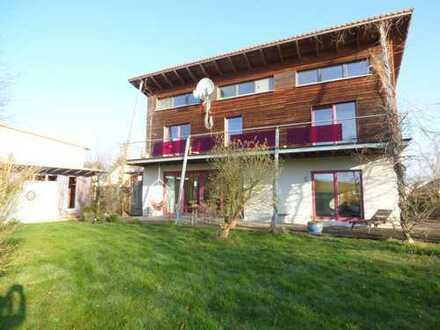 Schönes, geräumiges Pultdachhaus in Baunatal (Großenritte)