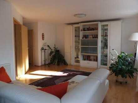 Provisionsfrei! Eine schöne 4-Zimmer Wohnung mit Gartenanteil direkt vom Eigentümer