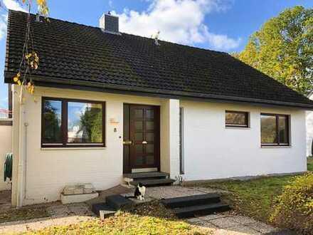 Raisdorf: Großes Einfamilienhaus auf Eckgrundstück in toller Lage