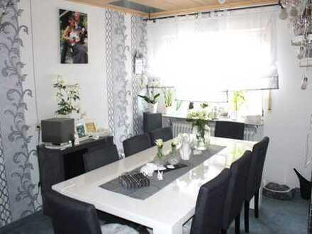5-Zimmer-Wohnung in Zentrumslage von Zell a.H mit 137 m² Wohnfläche mit schönem Balkon, Stellplätze