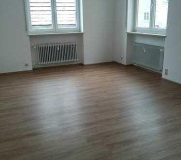 Stadtmitte-Gewerberäume/ Praxis, 1.OG! 3 Räume, Empfang!