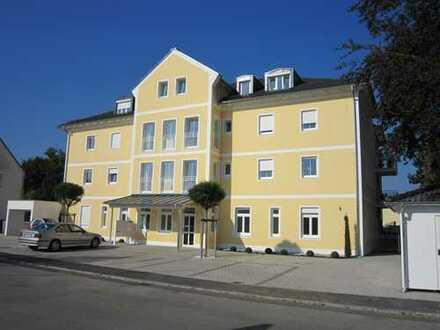 Gepflegte 2-Zimmer-Wohnung mit Balkon und EBK in Pocking