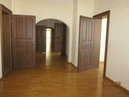 *BIRI* - äußerst repräsentative Büroräume in möglicher Bürogemeinschaft