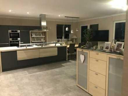 Neuwertige 3-Zimmer-Penthouse-Wohnung mit Balkon und Einbauküche in Gescher