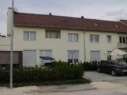 Provisionsfrei! 2-Zimmer-DG-Wohnung in Giengen, Selbstnutzer Oder Kapitalanleger