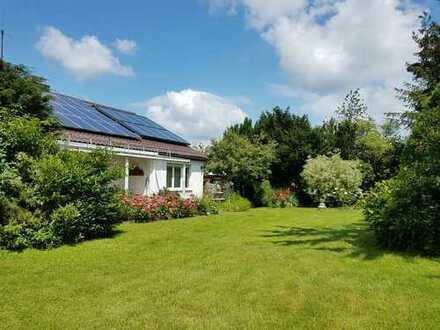 Sehr gepflegtes freistehendes Einfamilienhaus mit wunderschönem, sonnigem Garten in bester Wohnlage
