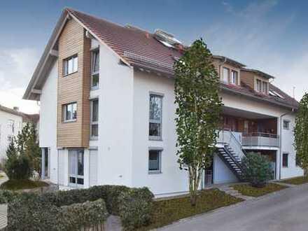 Vermietete, helle 4-Zimmer-Wohnung mit Terrasse und Garten!