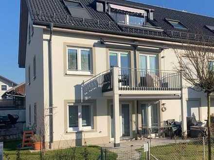 Brück Immobilien - Lichtdurchflutete, attraktive 4 Zi.-EG/Gartenwohnung mit Süd-Terrasse + 2 Bäder