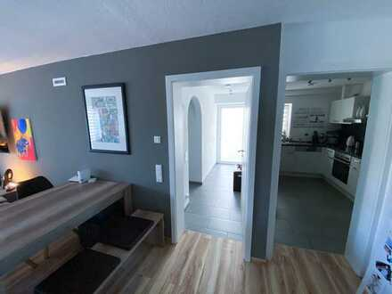 Helle 2 Zimmer-Whg. mit 61m² in ruhiger, verkehrsgünstiger Lage zu vermieten