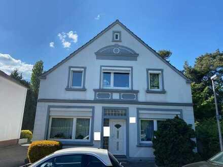 Gepflegtes Zweifamilienhaus in guter Lage in Delmenhorst