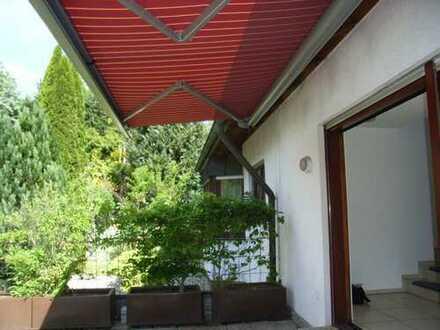 Doppelhaushälfte, 4-Zimmerwohnung mit Terrasse und EBK in Grafenau-Döffingen