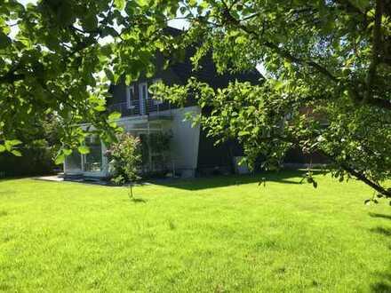 Freistehendes Einfamilienhaus mit großem, sonnigen Garten in begehrter Lage in Mülheim Saarn