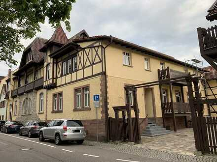 Attraktive 2-Zimmer-Wohnung mit EBK und Balkon zentral in Gernsbach