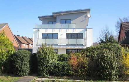 Aaseeblick von Wohnzimmer und Südbalkon: Moderne 3-Zimmer-Wohnung direkt am Aasee