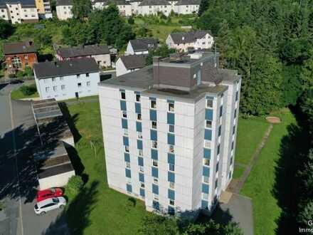 Große 4 Zimmer-Eigentumswohnung in Naila / Garage