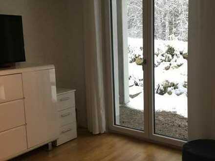 Suche Untermieter/in in Doppelhaushälfte / 2 Zimmer inkl. eigenem Bad und eigener Terrasse