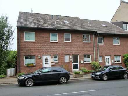 Junges Reihenmittelhaus mit ca. 105 m² Wohnfläche, 4 Zimmern, schönem Garten und PKW-Stellplatz
