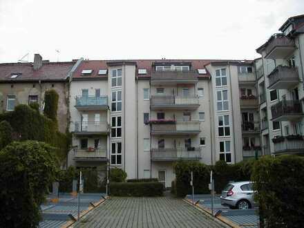 Top 2-Zi. Wohnung nahe Schlosspark! EBK! Laminat! Termin 21.06.21 19 Uhr