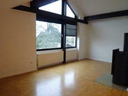 Erstklassige Dachgeschosswohnung mit Einbauküche in guter Lage von Schwerte-Ergste zu vermieten