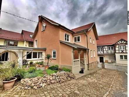 Einfamilienhaus mit Garten und Dachterrasse