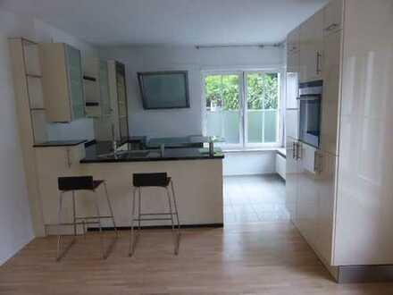 Schöne, helle Wohnung mit Einbauküche und Terrasse im Paulusviertel
