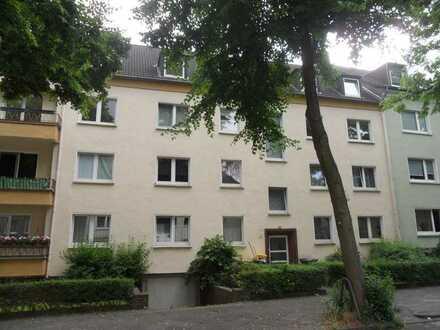Moderne Wohnung (3 Zimmer, Küche, Diele, Bad, Balkon) in Do-Körne