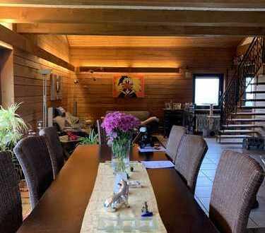 Aktualisiert / Grundriss / Maisonette / Penthouse-Wohnung mit 2 Terrassen und 2 Garagen in Kernen