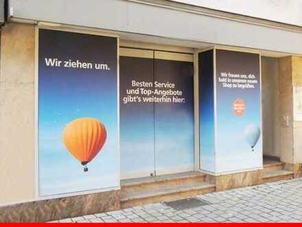 Moderne Ladenfläche in der Esslinger Fußgängerzone