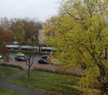 2 Zimmer in 3 Zimmerwohnung frei, Zentrale Lage Bremen Vahr