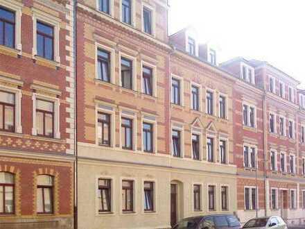 Schöne zentral gelegene Wohnung mit Balkon