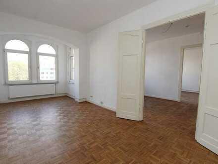 WG Willkommen! Großzügige 4 ZKB-Wohnung in der Wilhelmshöher Allee