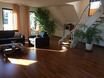 Helle, geräumige Galerie-Maisonette-Wohnung im Zentrum von Bensheim