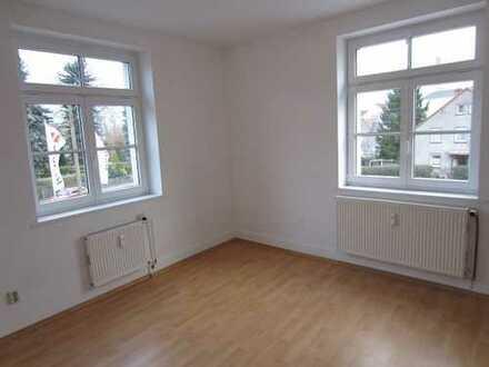 4-Räume *** 88 qm mit Wohnküche *** 1.OG **** Eckbadewanne, Stellplatz vorhanden