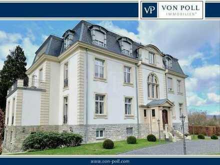VON POLL - OBERURSEL: Repräsentative Luxuswohnung in Patriziervilla auf parkähnlichem Grundstück